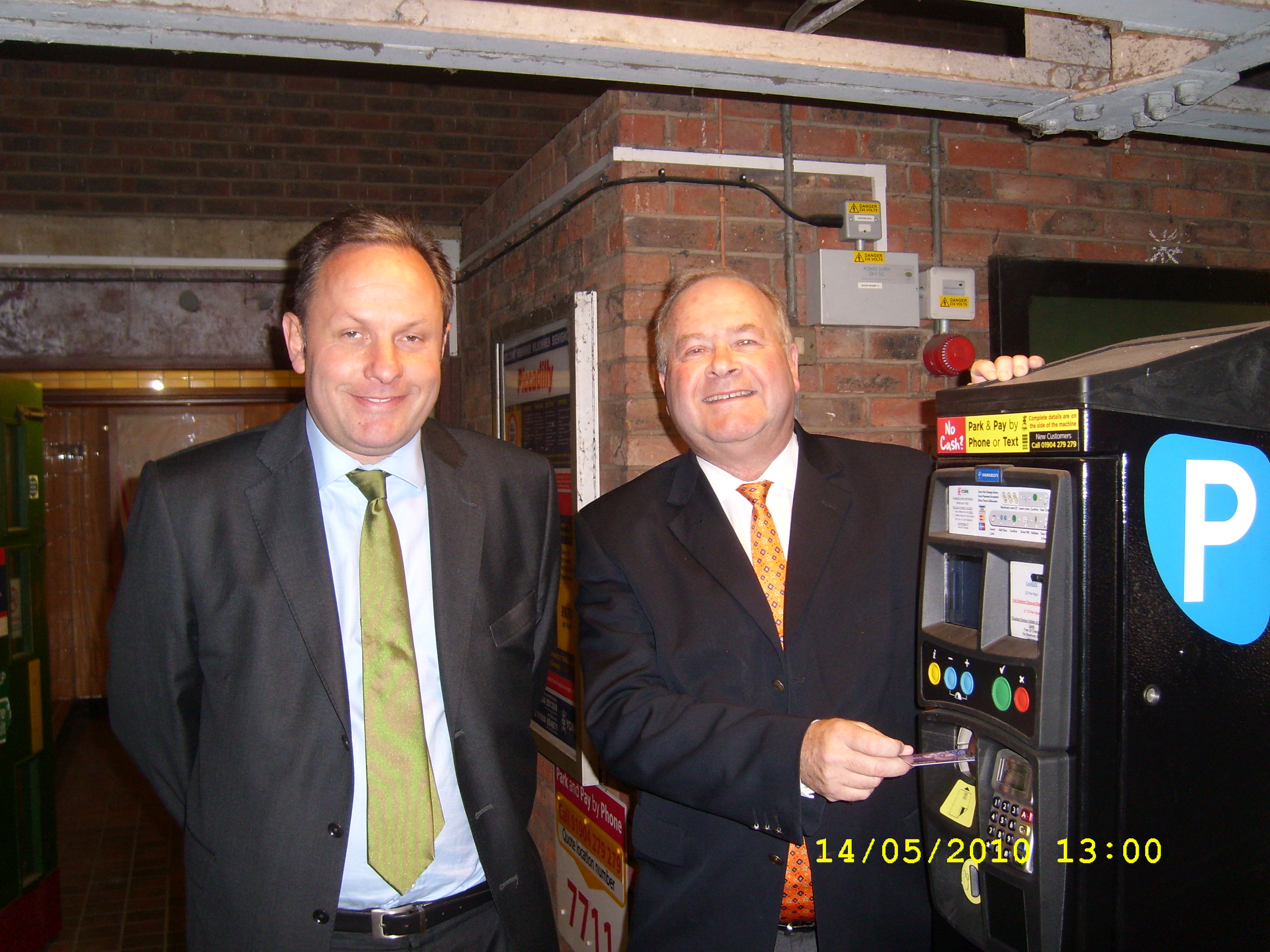 15th-may-10-adam-sinclair-and-steve-galloway-launch-card-parking-payments.JPG