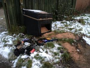 Rubbish removed from York salt bin