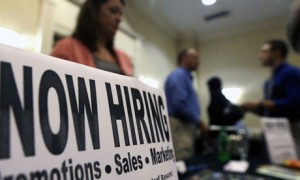 US-unemployment-jobs-fair-007