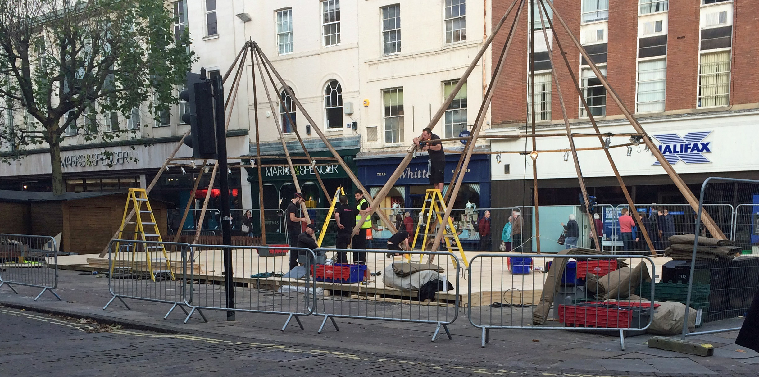 TiPi bars being erected on Parliament Street