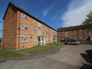 Flat in Merton Court advertised for £80,000