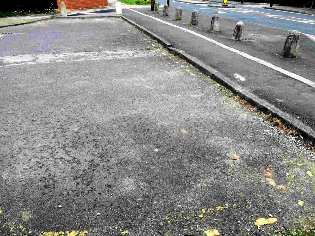 Road markings in Middleton Road hammerhead have worn away