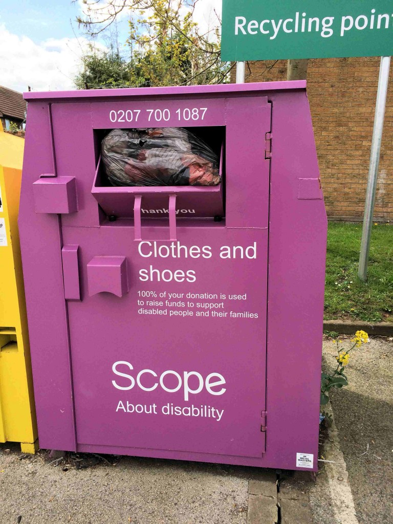 Full clothes bank