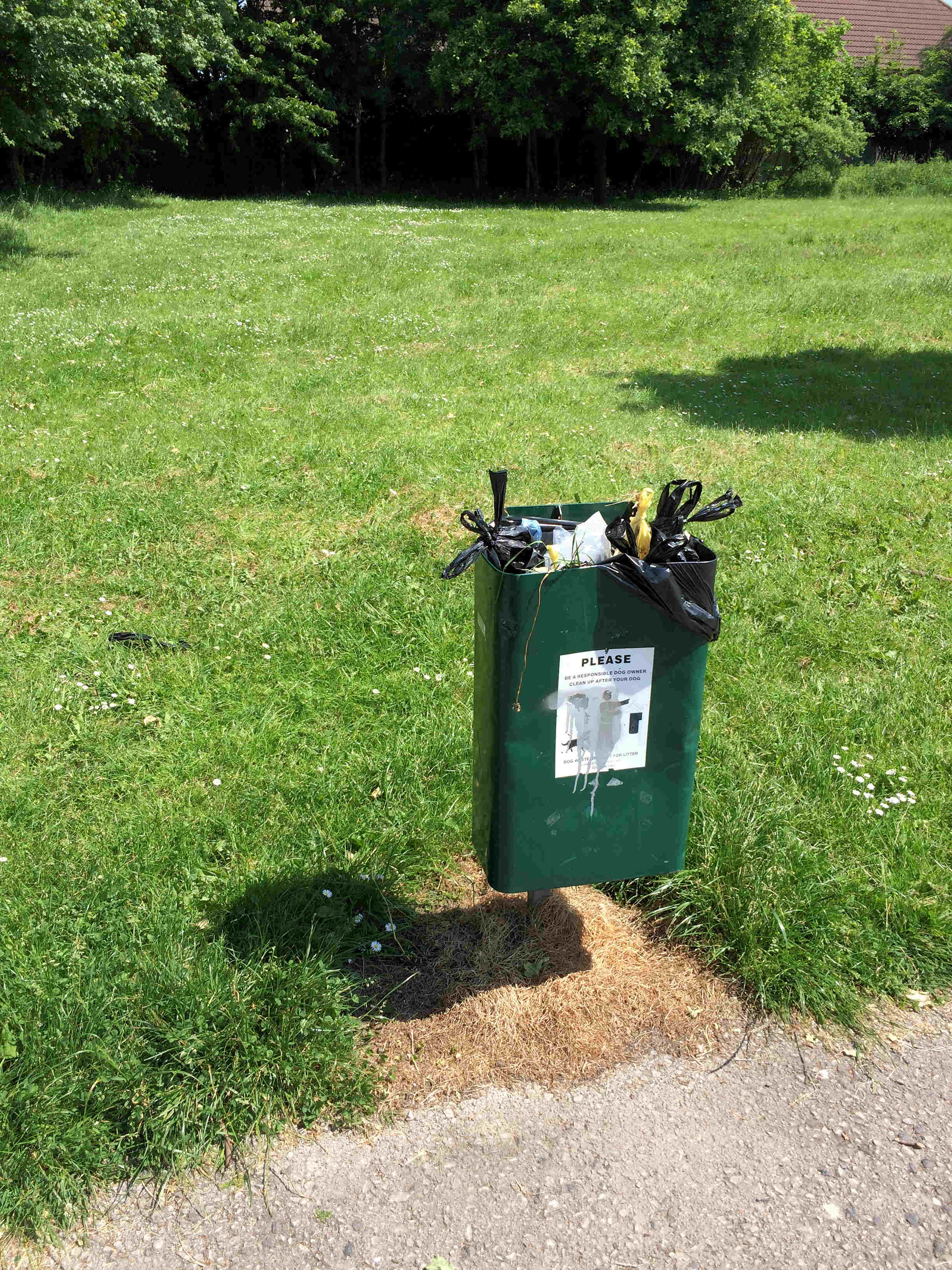 Full poop scoop bin on the Foxwood Park has been reported for emptying