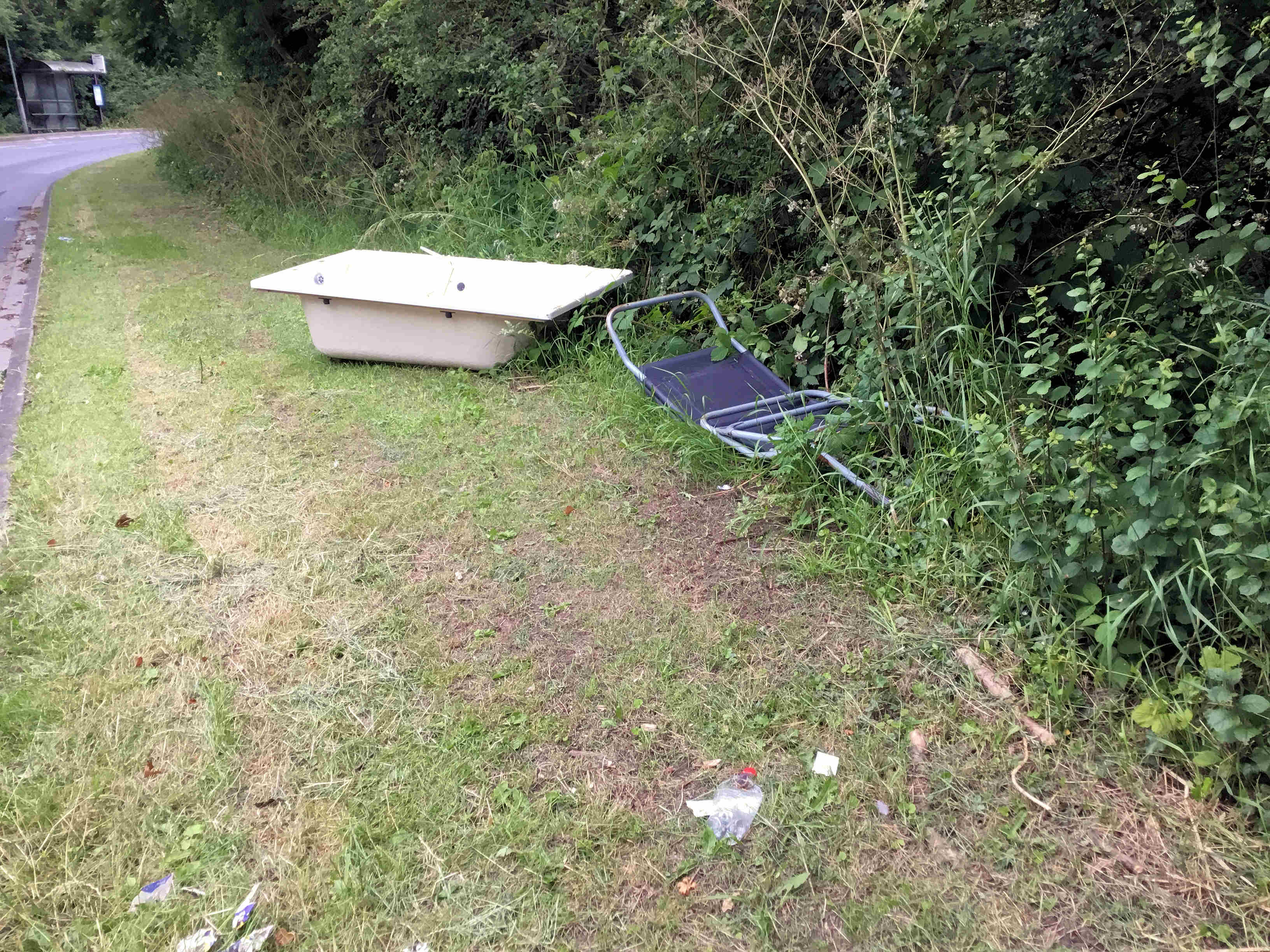 Bath and seat fly tipped on Foxwood Lane near ravine. CCTV footage will eb scrutinised to see if the culprits can be identified. The on the spot fine for fly tipping was recently raised to £400.
