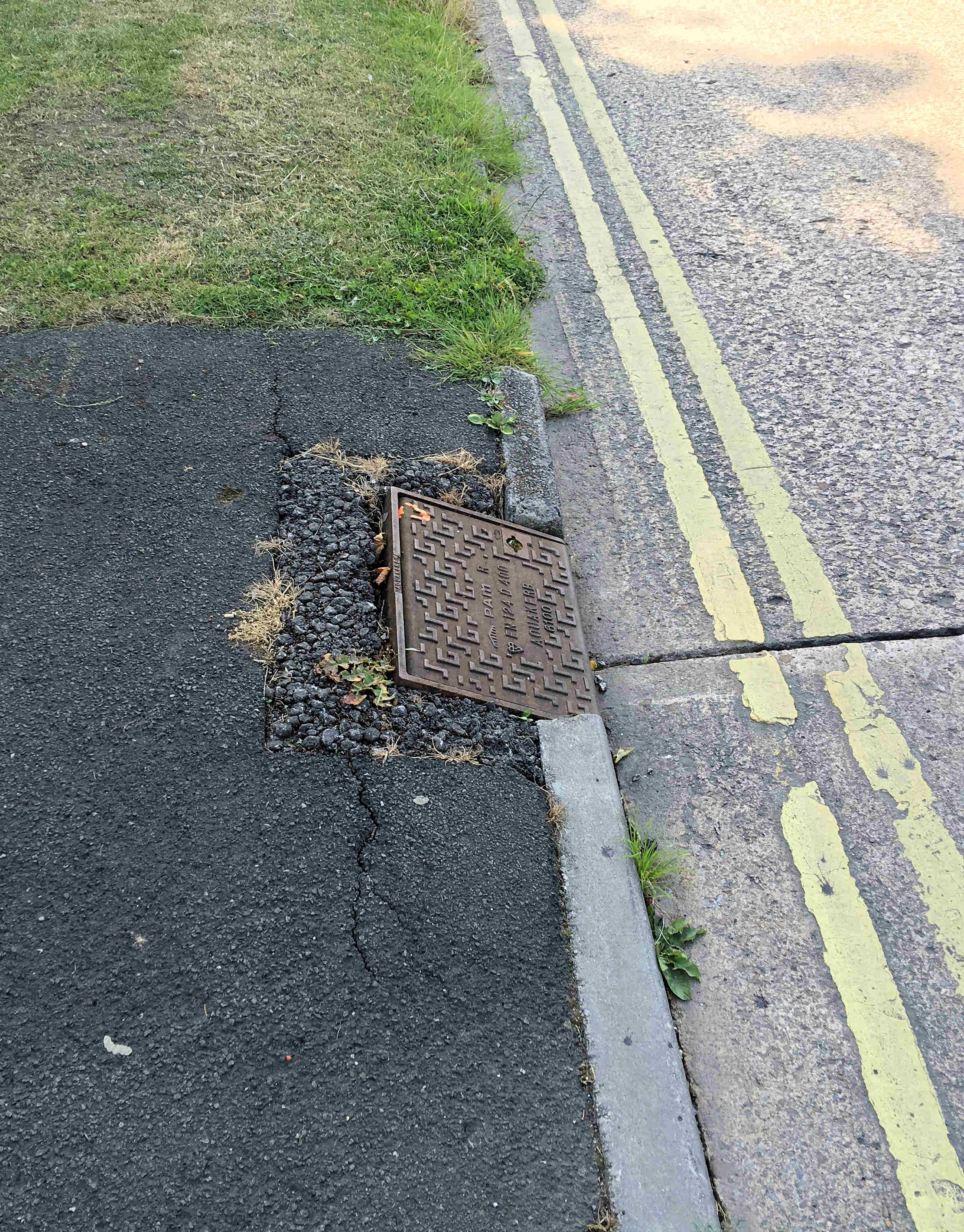Damaged Gully cover Danesfort Ave