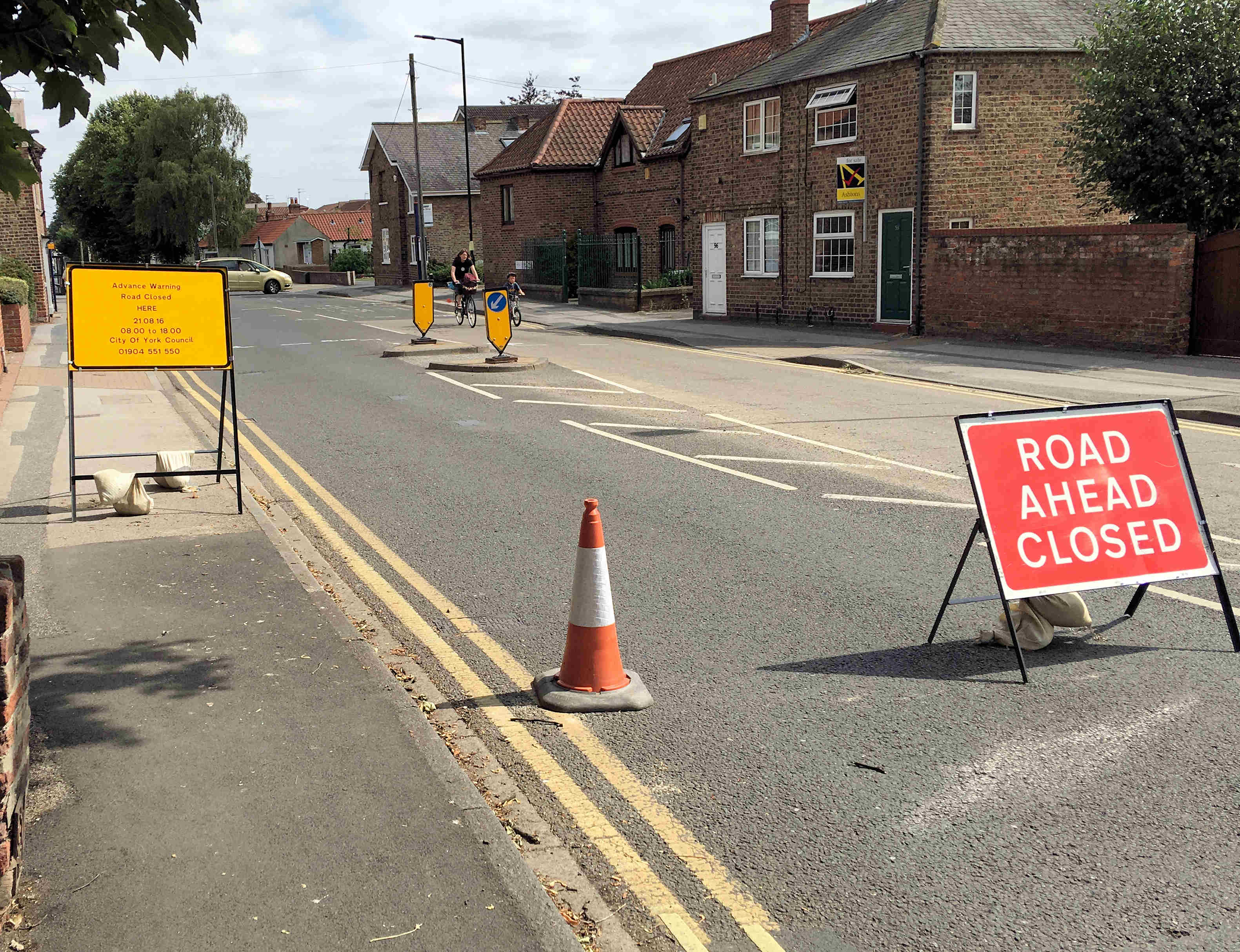 Work started on resurfacing Front Street. The road will be closed again tomorrow (Sunday) to permit the completion of the work
