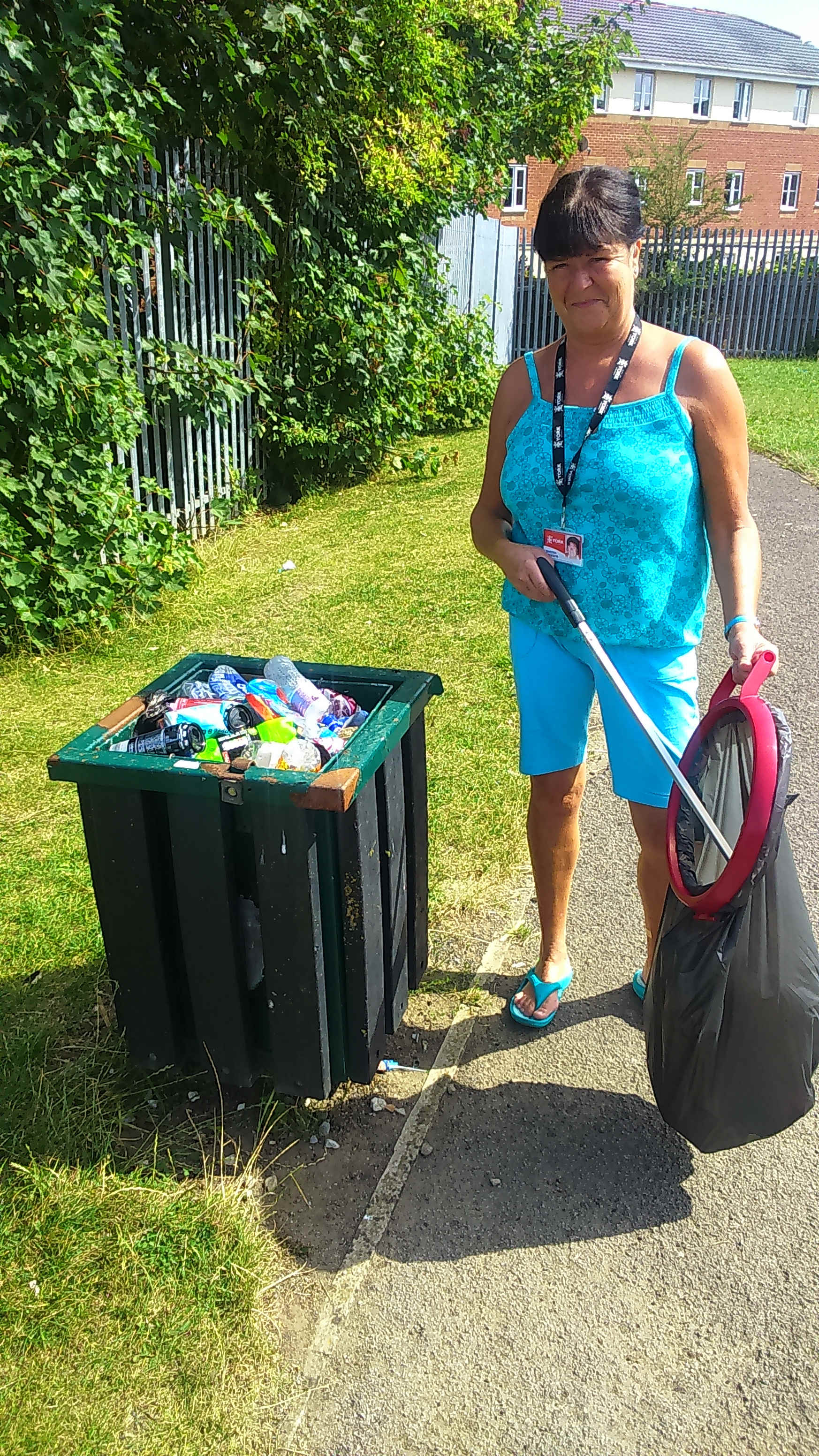 & a quick litter pick by Sheena in the Tedder Road park